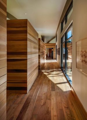 couloir étage - Flight House in Martis Camp par Sage Architecture - Truckee, Usa
