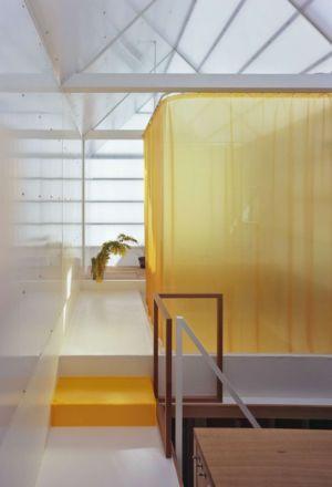 couloir étage - House-Yamasaki par Tato Architects-You Shimada - Hyogo,Japon