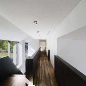 couloir étage - Private Residence St-Sauveur par  Saucier + Perrotte architectes -  Saint-Sauveur, Canada