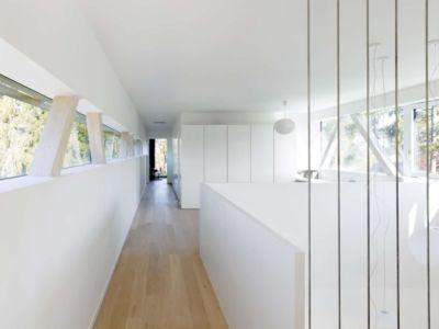 couloir étage - during-tannay par Christian Von During Architects - Tannay, Suisse