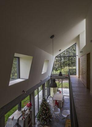 couloir étage et vue aérienne - BO House par Plan B Arquitectos - Colombie