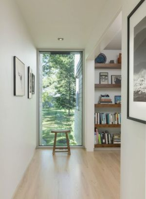 couloir accès bibliotheque - Westport River House par Ruhl Walker Architects - Massachusetts, USA