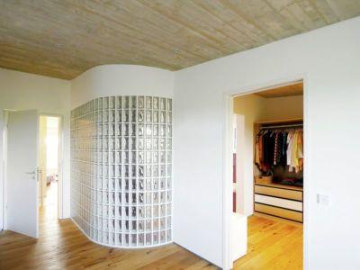 couloir accès chambre- House-Wilhermsdorf par René Rissland - Wilhermsdorf, Allemagne