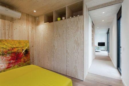 couloir accès chambre - Zero-Energy par Skilpod - Belgique