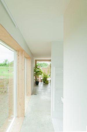 couloir accès entrée - Individual-Hangar par Gens Association Libérale Architecture, France