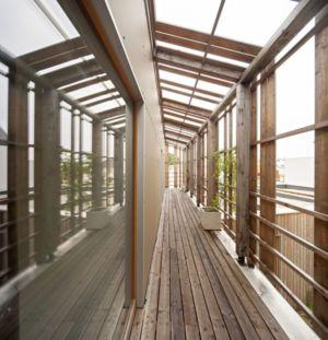couloir bois - vlb-maison-bbc par Detroit Architectes - Verrières-le-Buisson, France