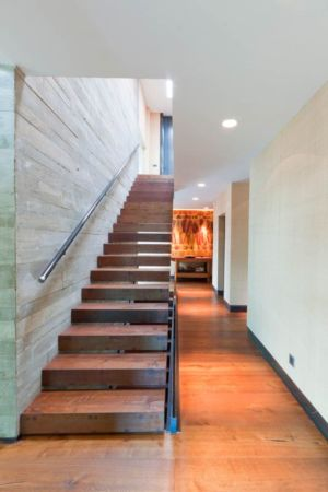 couloir & escalier accès étage - villa-madrid par Modern Homes - Madrid, Espagne