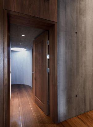 couloir et puits de luli_re - Bakkaflöt 14 par Studio Granda - Islande