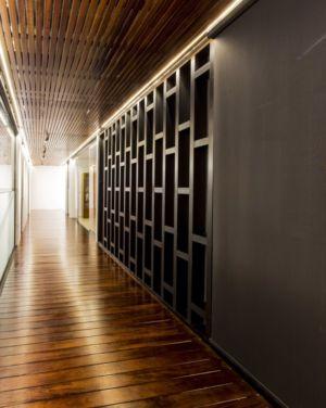 couloir et rangements - Montebello 321 par Jorge Bolio Arquitectura - Merida, Mexique