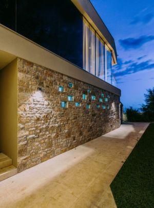 couloir extérieur accès - House Sperone par Studio Metrocubo - Novigrad, Croatie