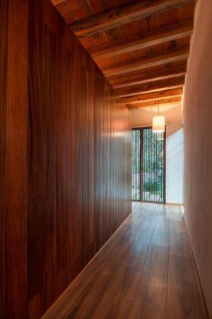 couloir intérieur - Pinar house par MO+G Taller de arquitectura - Zapopan, Mexique