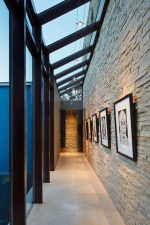 couloir - maison exclusive par Polsky Perlstein Architectes - San Francisco, USA