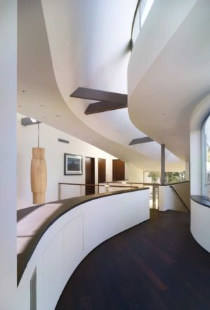 couloir - maison pierres par Chesler Construction - Californie, USA