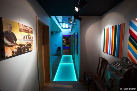 couloir sous-sol - Barbo House par Ralph Büeler (Bend Group) - Genève, Suisse