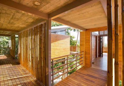 couloirs - Holiday House par Benjamin Garcia Saxe - Costa Rica