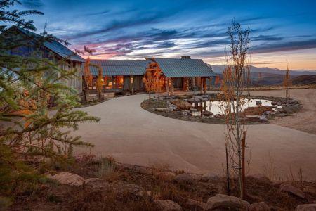 cour - Wolf Creek Ranch par S+D Architects - Utah, Usa
