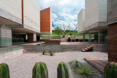 cour intérieure - DATRI & DASA Homes by mavarq - Tepeji del Rio, Mexique