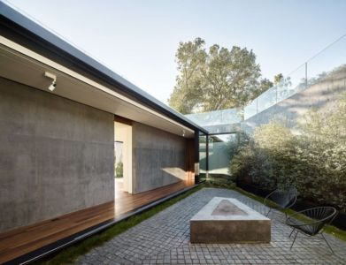 cour intérieure - Oak Pass Main House par Walker Workshop - Los Angeles, Usa