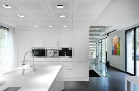 cuisine - Sous-bois par Luc Spits Architecture - Liege, Belgique