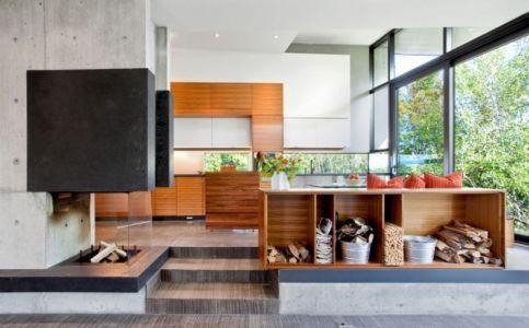 cuisine et cheminée - Port Hope House par Teeple Architects - Ontario, Canada