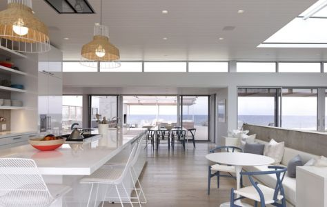 cuisine et séjour - Ocean Deck House par Stelle Lomont Rouhani Architects - Bridgehampton, USA