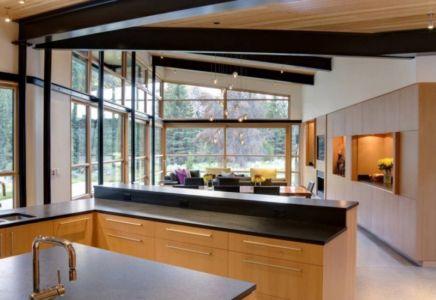 cuisine et séjour - River Bank house par Balance Associates Architects - Big Sky, Montana, Usa