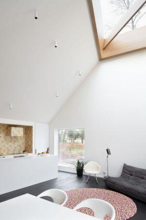 cuisine et salon - Huis voor Patrick par LOW Architecten - Belgique