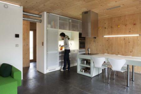 cuisine minimaliste - Witzmann résidence par Karawitz Architecture  - France -  Photo Nicholas Calcott