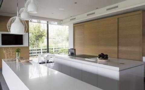 cuisine & séjour - House-in-Blair-Atholl par Nico van der Meulen Architectes - Johannesburg, Afrique du Sud