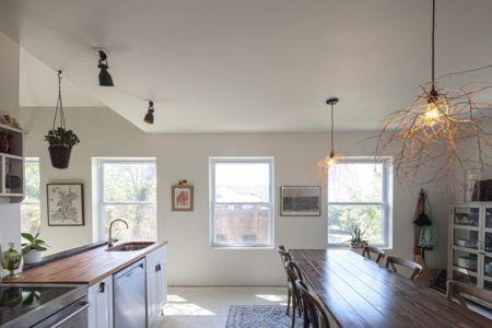 cuisine & séjour - MadHouse par Lion Architecture - Kansas City, USA