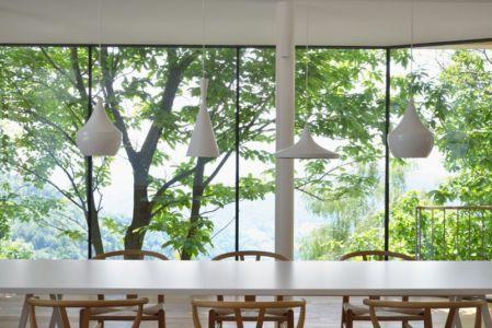 lustres design séjour - Hillside-Home par Multiplan Arhiteki - Ljubljana,Slovénie