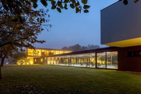 dans le brouillard - Villa M par Oliver Grigic - Cepin, Croatie