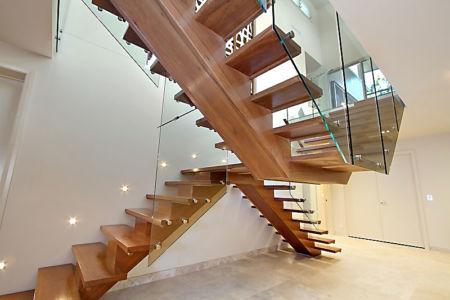 double escalier bois design - Treetops Residence par Artas Architects & D Pearce Constructions - Australie |