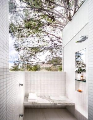 douche multijet ouverte sur l'extérieure - Malibu Crest par Studio Bracket - Malibu, Usa