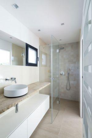 douche salle de bains - Maison L2 par Vincent Coste - Saint-Tropez, France