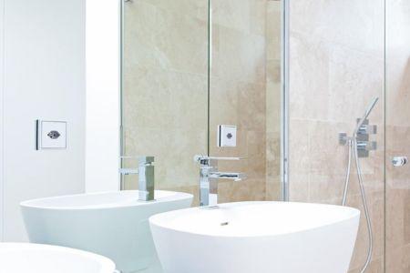 lavabo et douche salle de bains - villa-am-bodensee par jung - lac constance, Suisse