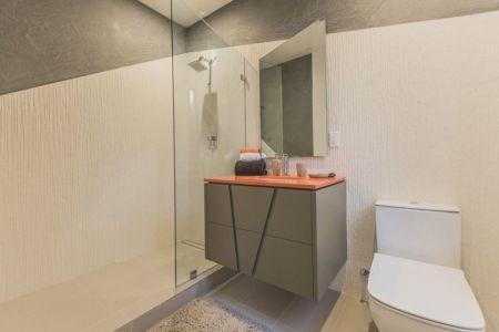 douche vitrée salle de bains - Angular-Lines par Amit Apel - Los Angeles, USA
