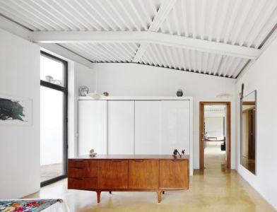 dressing - Maison et atelier d'artiste par Miba architects - Gijón, Espagne