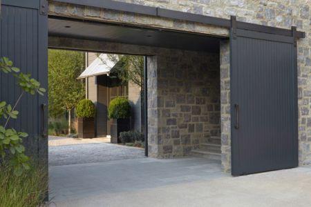 entrée portail en bois - maison bois contemporaine par Architect - Nashville, USA