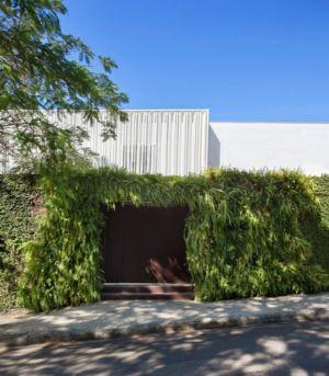entrée - Brise House par Gisele Taranto Arquitetura - Rio de Janeiro, Brésil
