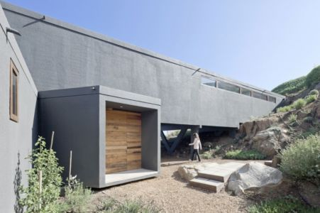 entrée - Catch the Views House par LAND Arquitectos - Zapallar, Chili