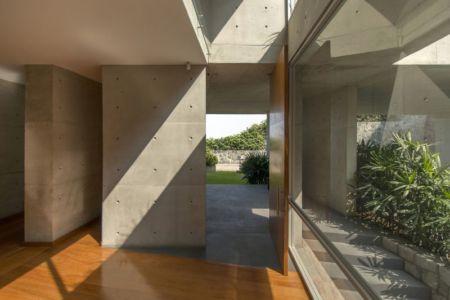 entrée - House-Hillside par Benavides & Watmough arquitectos - Santiago, Pérou