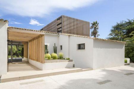 entrée - Maison L2 par Vincent Coste - Saint-Tropez, France
