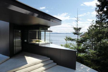 entrée - Tula House par Patkau Architects - Quadra Island, Canada