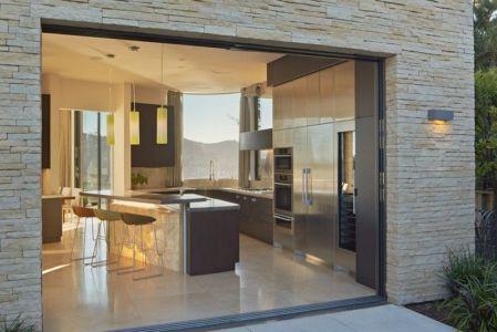entrée îlot central de cuisine - maison exclusive par Polsky Perlstein Architectes - San Francisco, USA