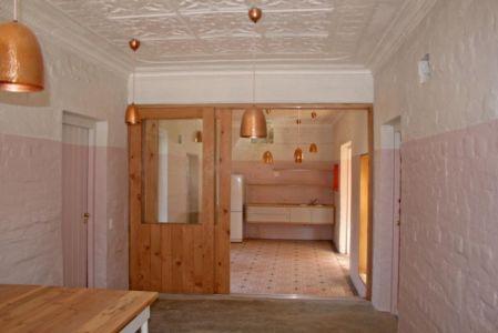 entrée cuisine - Red-House par Kate Otten Architectes - Afrique du Sud