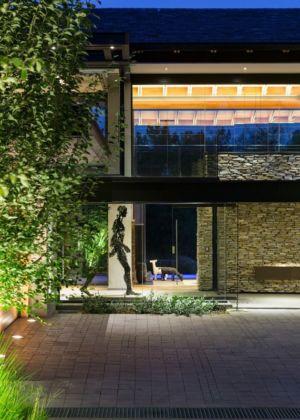entrée de nuit - House Blair Atholl par Nico van der Meulen Architects - Blair Atholl, Afrique du Sud