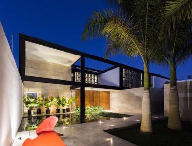entrée de nuit - Montebello 321 par Jorge Bolio Arquitectura - Merida, Mexique