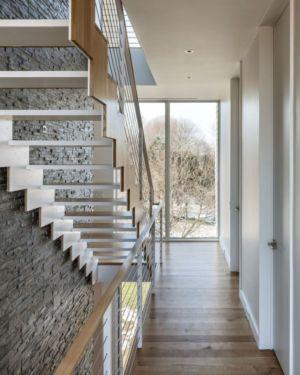 entrée & escalier accès étage - Watch-Hill-House par Lubrano Ciavarra - New York, USA