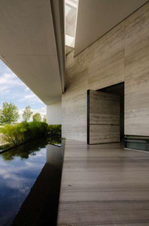 entrée et bassin - JRB House par Reims Arquitectura - Santa Domingo, Mexique